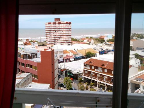 depto 2 amb. con balcon y excelente vista al mar max. 4 pax.