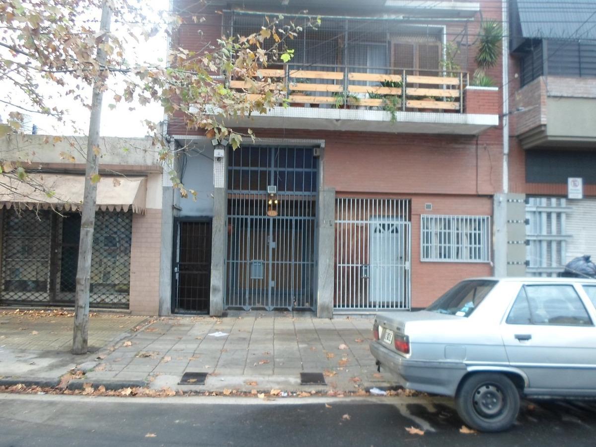 depto 2 amb con patio y terraza- beguiristain 100 avellaneda