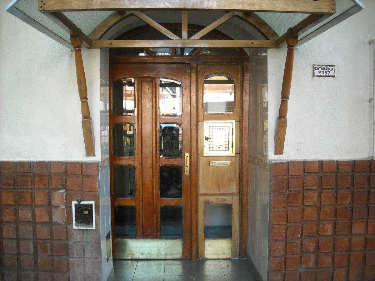 depto 2 amb. ed. hugolito iv, 1º piso escalera