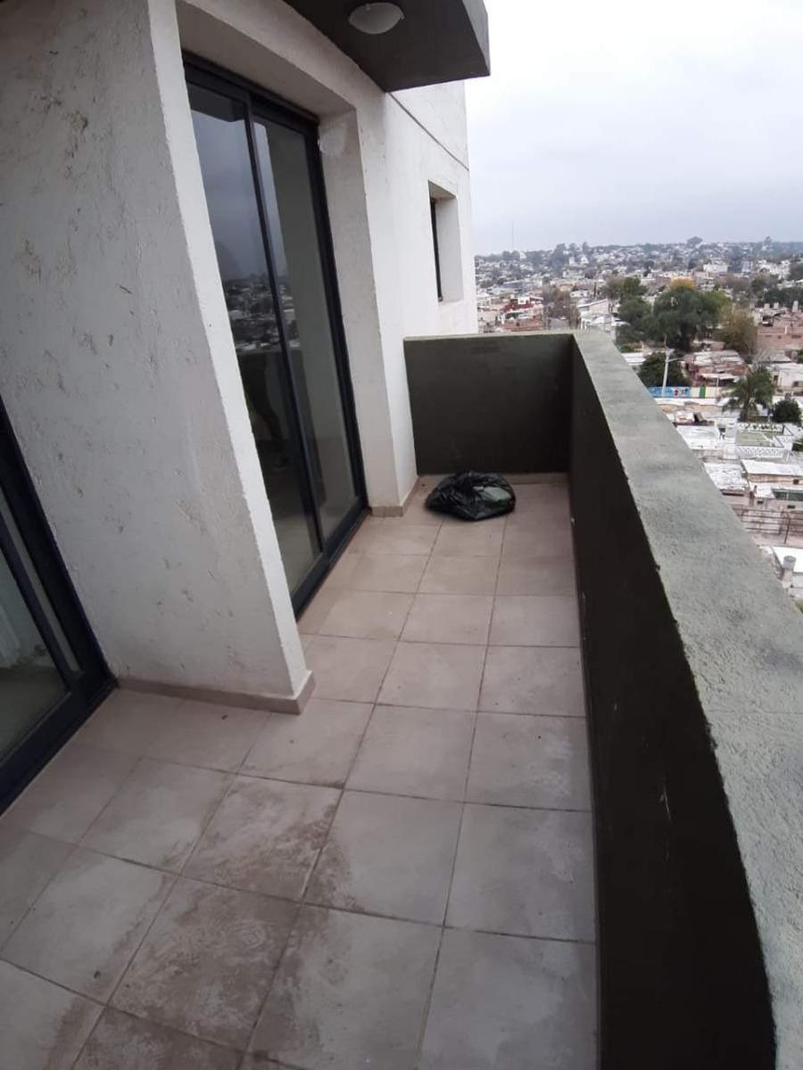 depto. 2 dorm. c/coch y balcon