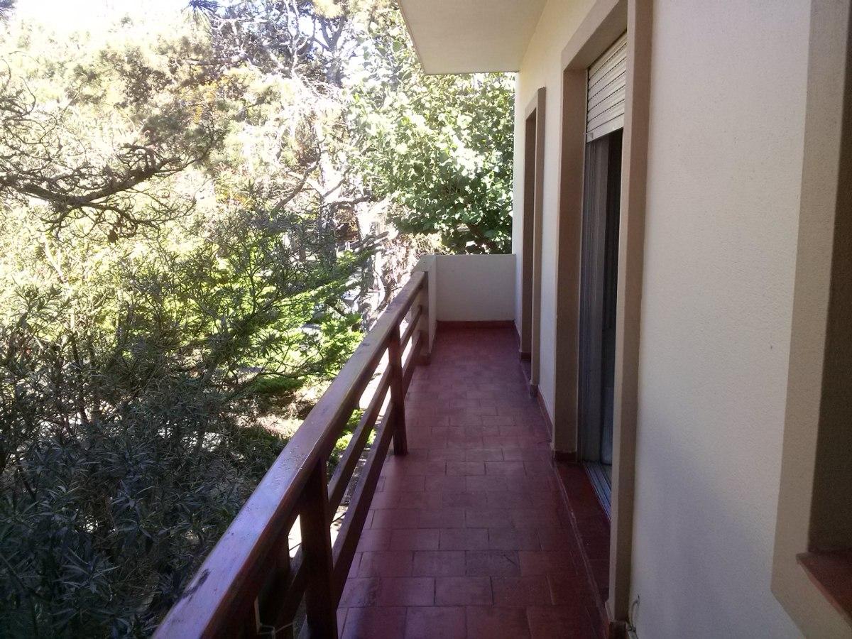 depto 3 amb con balcón corrido y patio cubierto