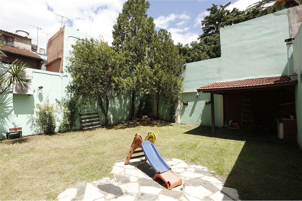 depto 3 amb con dep y jardín 210 m2 totales