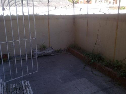 depto 3 amb con patio en pb en lomitas!!