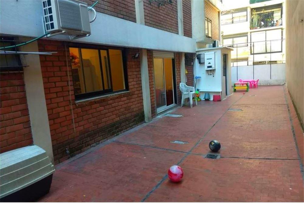 depto 3 amb. frente. importante terraza. balcón.