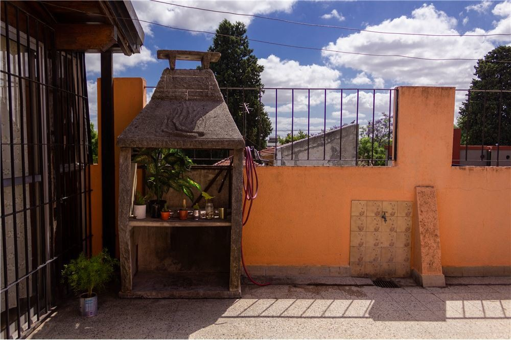 depto 4 amb c/cochera, patio, 127 m2 oportunidad
