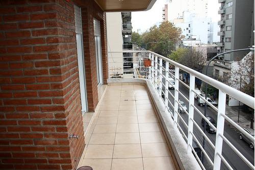 depto. 4 amb. nuevo con balcón aterrazado.