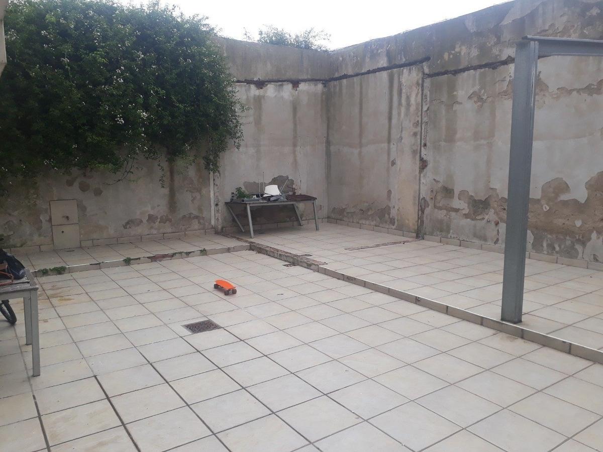 depto 4 amb planta baja con patio zona la perla