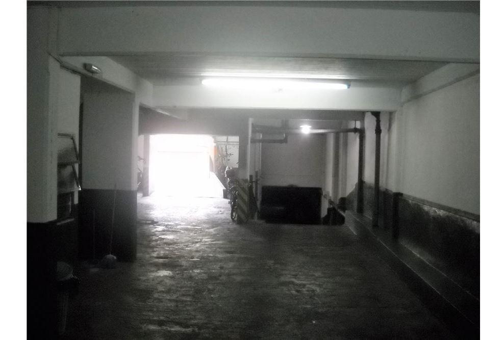 depto 4amb con dependencia, balcón y cochera fija