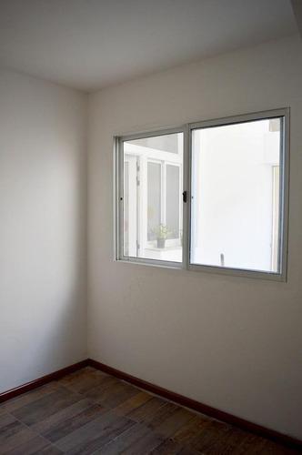 depto de 1 dormitorio en pasillo con patio totalmente restaurado