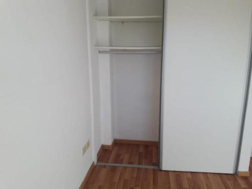 depto de 2 amb al cta fte en 2do piso. jose bonifacio al 370