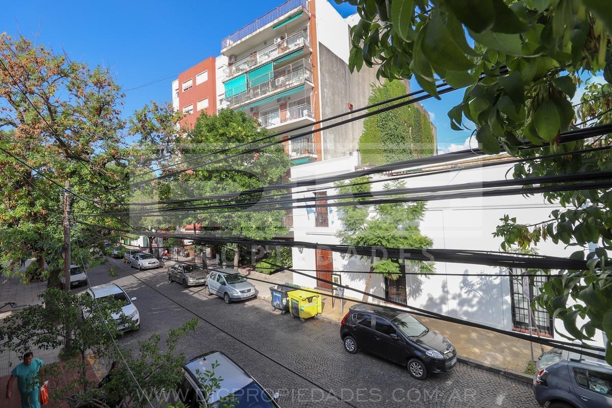 depto de 3 ambientes con balcon en centro de san isidro