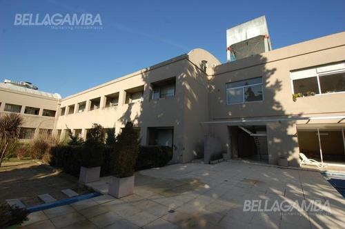 depto en dúplex de 4 ambientes  de 154m² ubicado en planta alta del complejo.