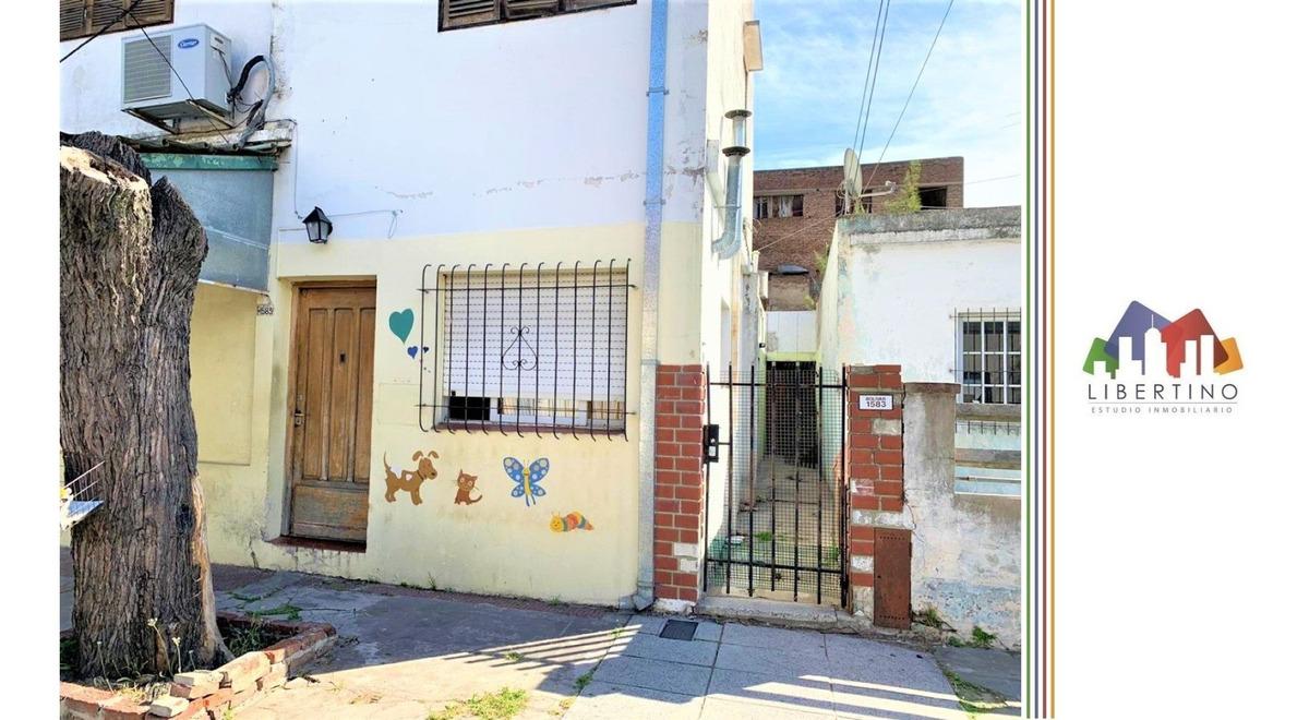 depto / ph de 2 amb con patio // boliva 1583 // ramos mejia