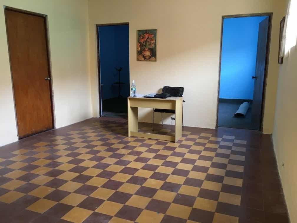 depto. segundo piso 65 m² con aires libres zona comercial