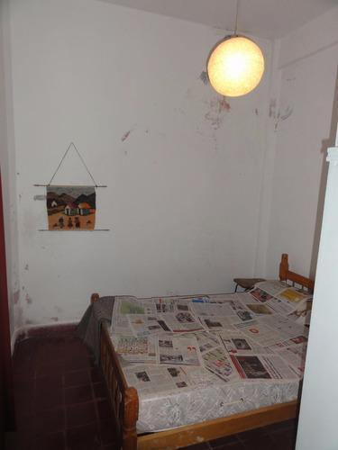 depto tipo casa de 3 ambientes - excelente zona