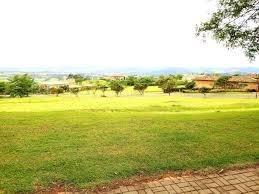 desapego de um terreno plaino em grande área verde!!