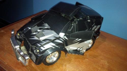 desapego do filho: carro bate e quebra