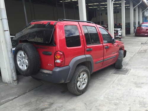 desarmo jeep liberty 2003