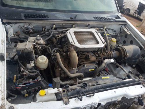 desarmo nissan np300 4x2 turbo diesel mod 2012 por partes