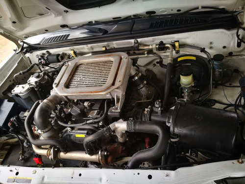 desarmo nissan np300 diesel modelo 2014 solo por partes