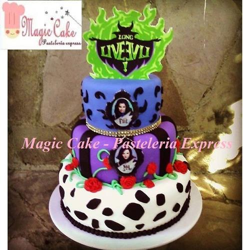 descendientes torta + 15 cupcakes a s/.250!