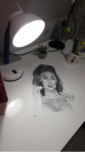 desenhos à lápis ou esboço