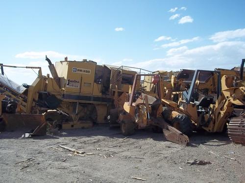 desmantelamos retro excavadoras venta de refacciones varias