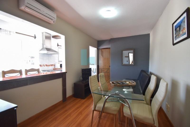 destacado! apartamento de 1 dormitorio y medio en venta. a pasos del puerto.- ref: 8453