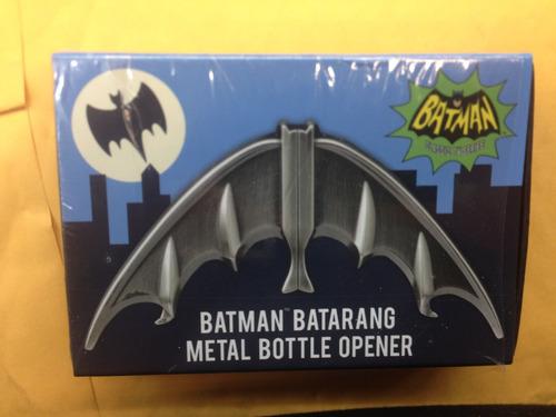 destapador con figura de batarang batman