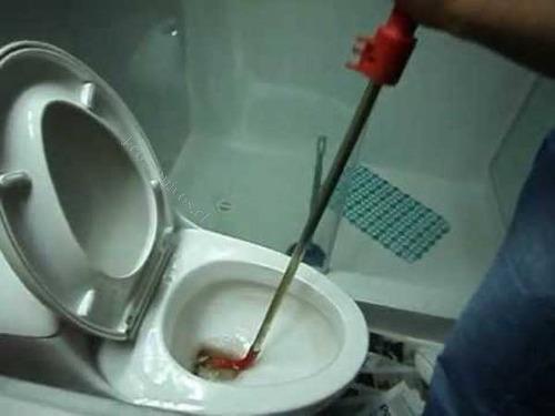 destape de alcantarillados , baños , tinas ,  desagües