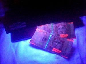 detector de billetes falsos, portátil. caja registradora.