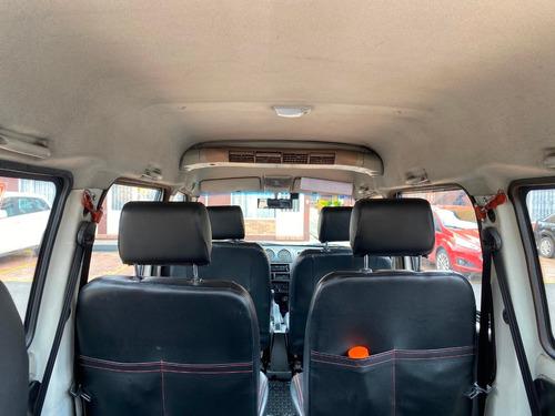 dfm van 1.300cc 7 pasajeros único dueño