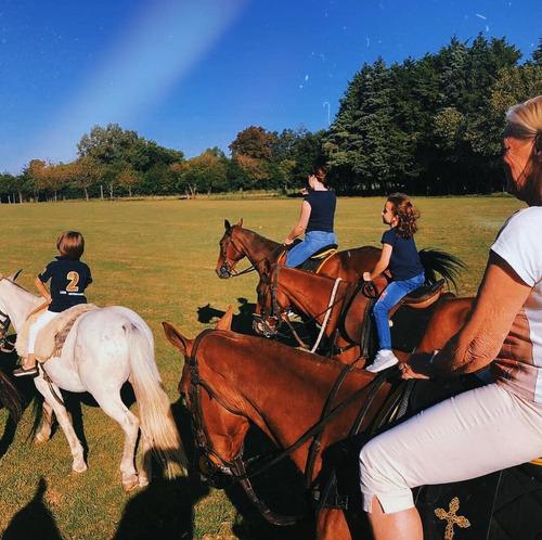 día de campo con cabalgata grupal con asado, quinta en pilar