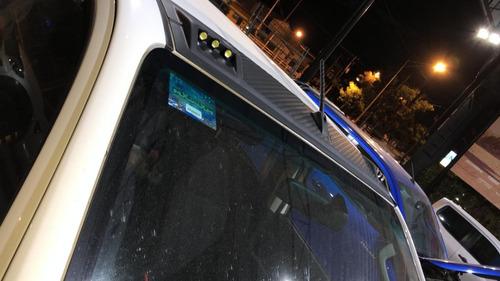 diadema moldura barra luz techo led  toyota hilux 2016-2020