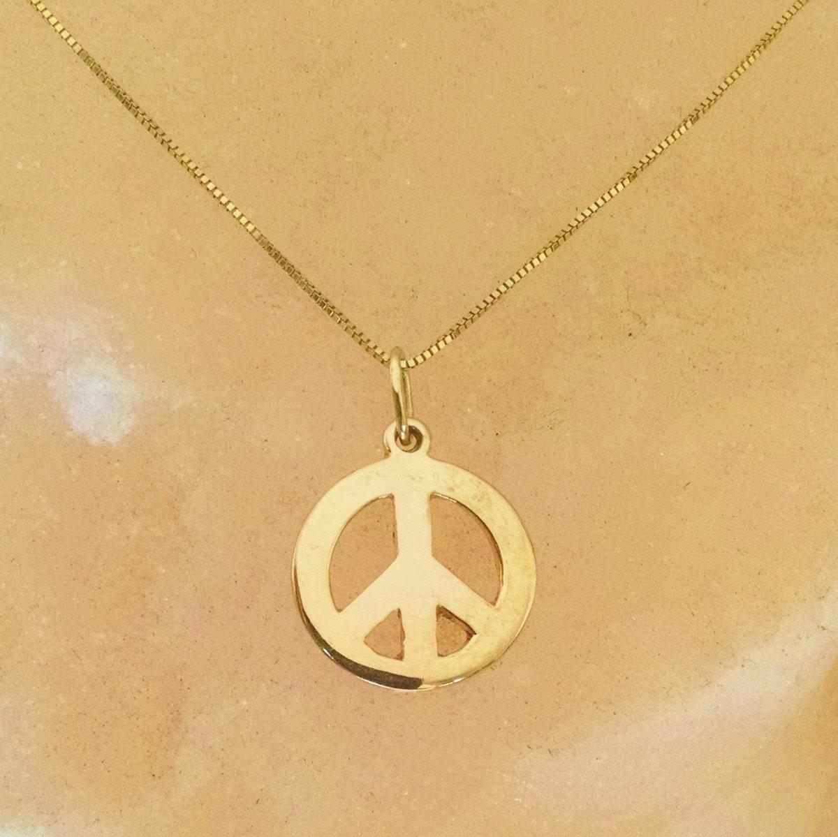 21f94f10e0c9 Dije Con Aro Amor Y Paz En Oro Amarillo Solido De 14k -   1