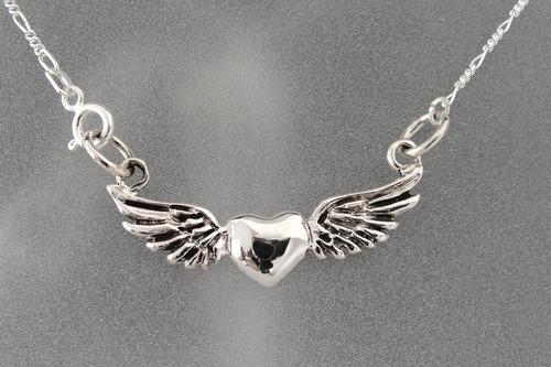 dije de corazon con alas y cadena en plata ley 0.925