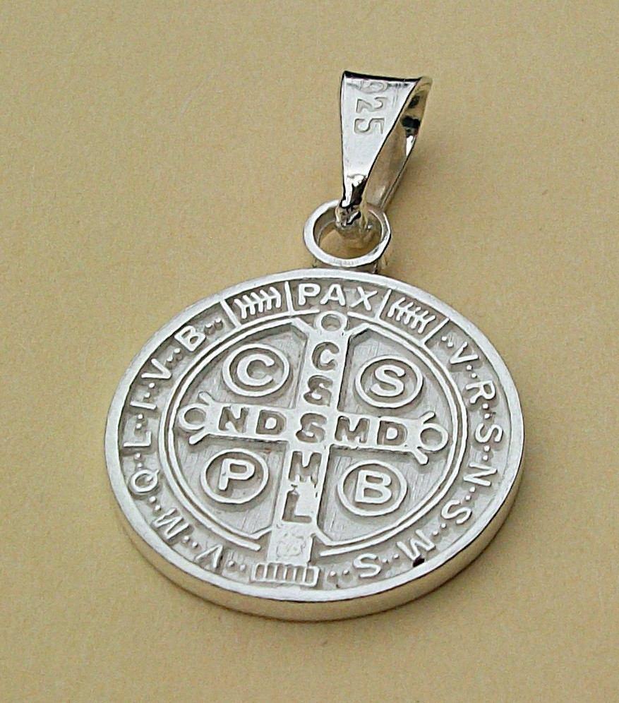 602913526ff Dije De Cruz Medalla San Benito En Plata Ley.925 -   240.00 en ...