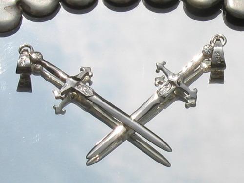 dije de espada cruz de santiago en plata fina ley.925