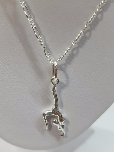 dije de gimnasta plata ley ,925 incluye cadena joyeria.