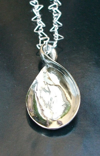dije de lagrima torcida en plata fina sterling silver .925
