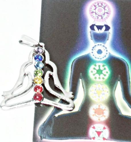 dije de los siete chakras plateado con incrustacions cristal