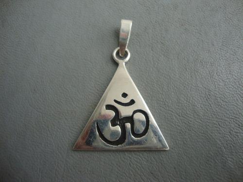 dije del om en plata fina - talismán de protección