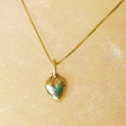 dije en forma de corazon pequeño oro amarillo solido 14