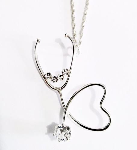 dije  estetoscopio corazón y zirconia con cadena plata.925