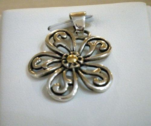 dije flor calada plata y oro