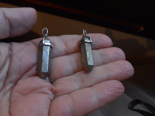 dije pendulo pirita piedra hermoso  3.8cm.x0,8cm.