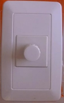 dimmer 660w 120v con tapa brink blanco