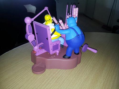 diorama móvil de homero simpson la casita del horror