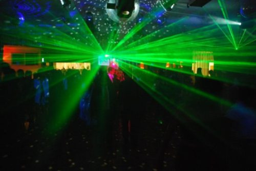 disc jockey económico servicio dj luces pantalla promos
