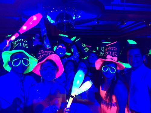 discomovil, karaoke, dj mezclando en vivo ,fiestas neon